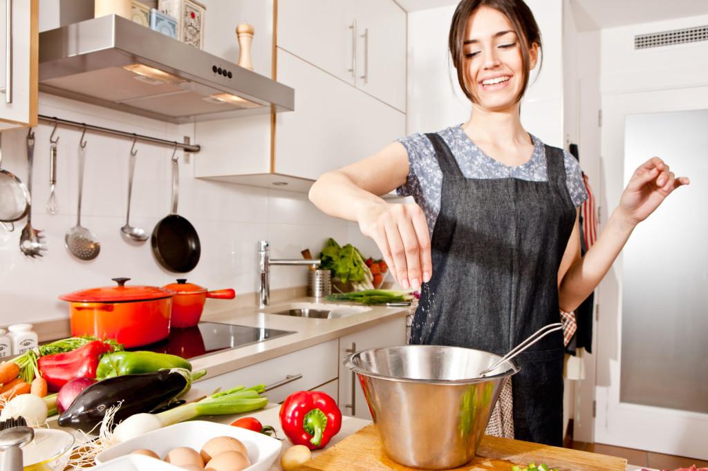 主婦の味方!アイデア時短で手間いらず♡夕飯の簡単レシピ5選のサムネイル画像