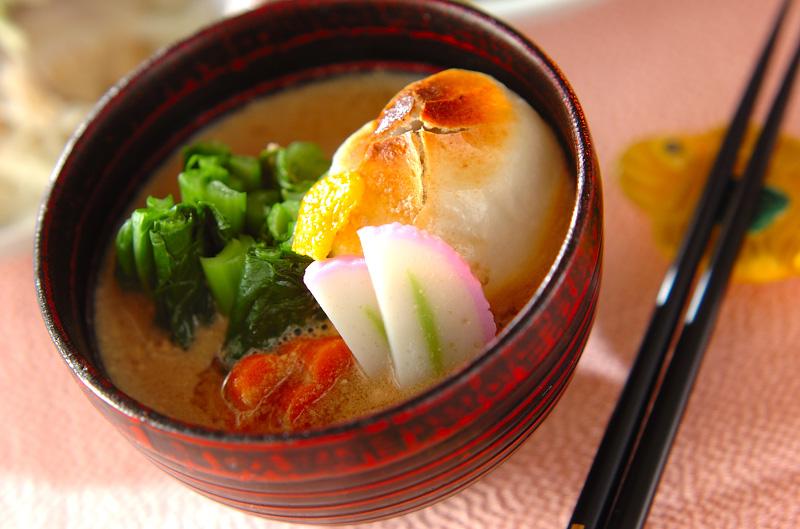 お正月に食べたい!日本の味「お雑煮」の人気レシピをご紹介!のサムネイル画像