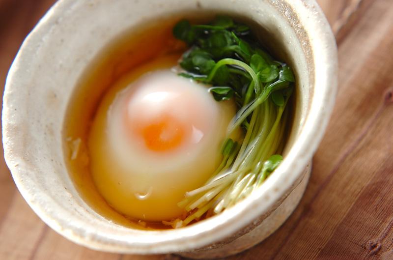 電子レンジを使って温泉卵も簡単に作れちゃう♪その作り方とは?のサムネイル画像