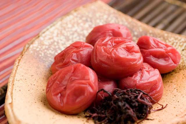 すっぱいけど美味しい!梅干しを使った簡単料理の作り方をご紹介♪のサムネイル画像
