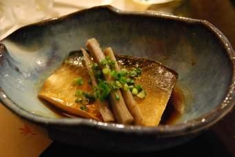 栄養たっぷり!ご飯がすすむ美味しい鯖の味噌煮おすすめレシピ5選のサムネイル画像