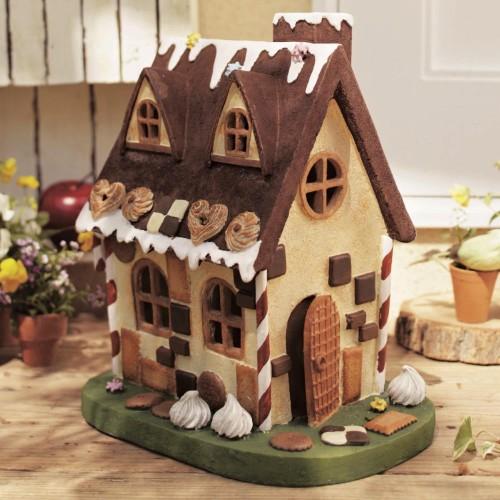 子どもと一緒に作ろう!可愛くて美味しいお菓子の家の作り方♡のサムネイル画像