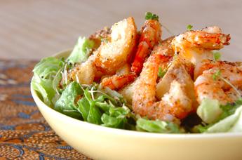 夕飯のおかずの一品に最適!野菜たっぷりのサラダのレシピご紹介!のサムネイル画像