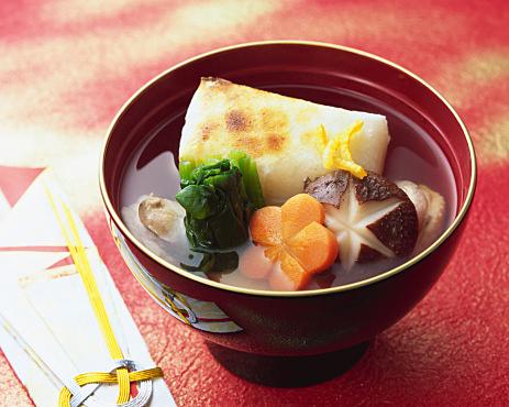 出汁の美味しさをシンプルに味わえる!雑煮の絶品レシピまとめのサムネイル画像