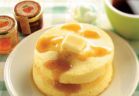 みんな大好き「ホットケーキ」を小麦粉で作りましょう♪レシピ6選のサムネイル画像