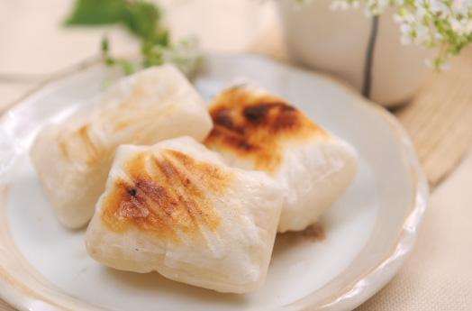 余ったお餅も美味しく簡単にリメイク!餅を使った料理をご紹介のサムネイル画像