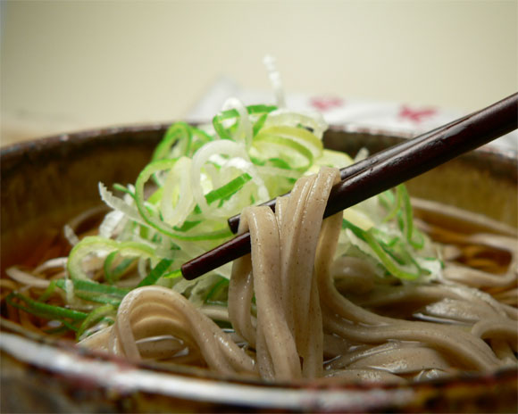 乾麺そばが大活躍!!!ストックの乾麺そばでお手軽アレンジレシピ5選のサムネイル画像
