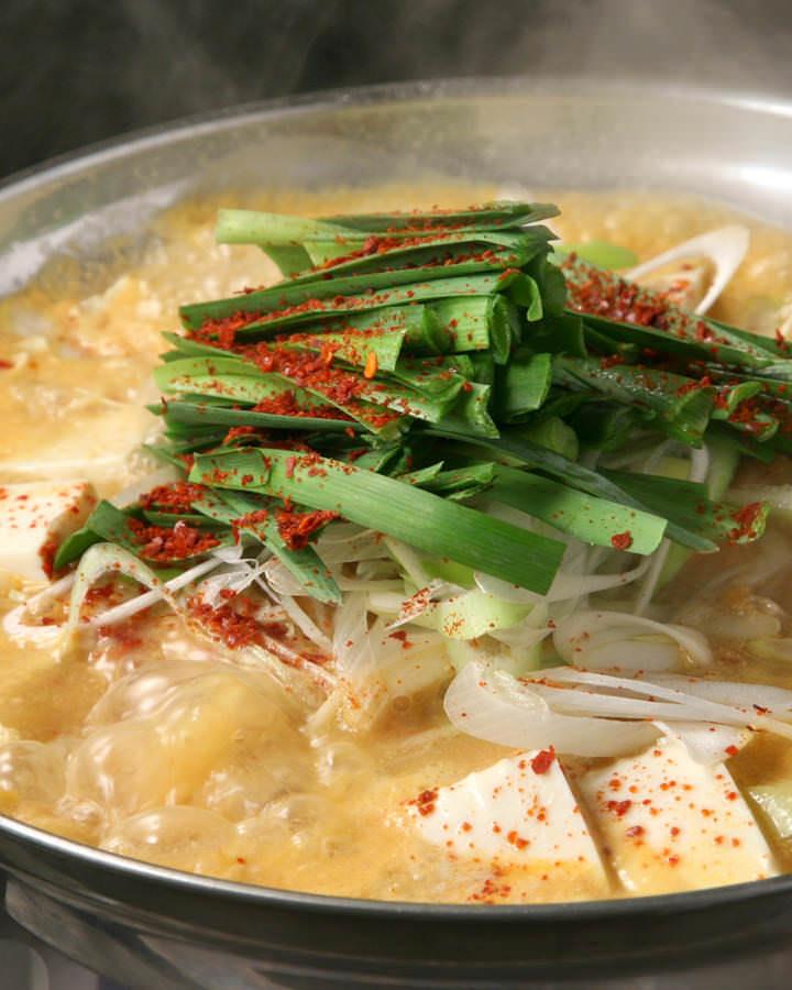 もつ鍋のしめは、ご飯派?麺類派?おいしいもつ鍋のしめレシピのサムネイル画像