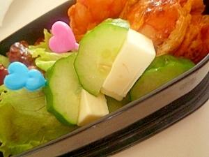 お弁当に彩りを!!きゅうりを使ったお弁当の簡単レシピ5選!のサムネイル画像