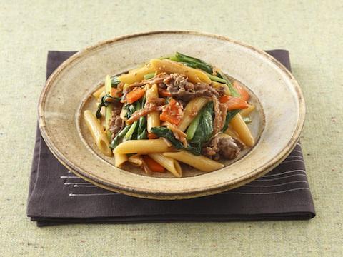 相性ピッタリ!小松菜と牛肉を使った美味しくて簡単なレシピ5選のサムネイル画像
