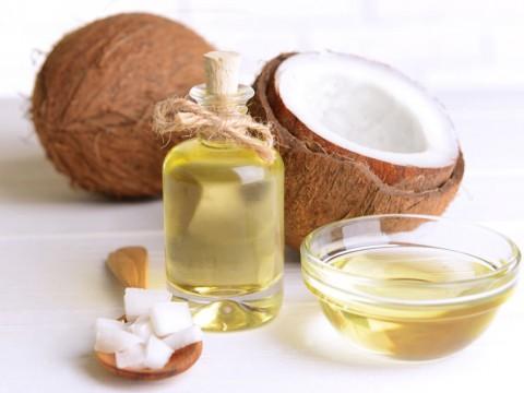 【オイル?ミルク?ウォーター?】ココナッツの栄養と美味しい食べ方のサムネイル画像