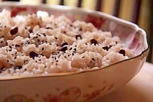 普段の食卓にもお赤飯 蒸し器がなくても大丈夫 炊飯器でカンタン!のサムネイル画像