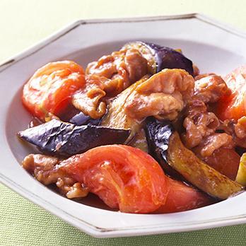 豚肉とトマトを炒めてつくる、ごはんの進むおかずレシピ◎選のサムネイル画像