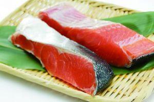 晩御飯に悩んだら塩鮭にしよう!簡単にできる塩鮭レシピをご紹介!のサムネイル画像