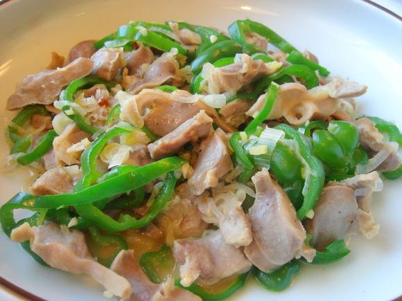 夏野菜ピーマンを食べつくそう!簡単で美味しいレシピを集めました。のサムネイル画像