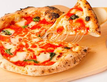 みんなで美味しく食べましょう!家でも出来るおすすめピザレシピ!!のサムネイル画像