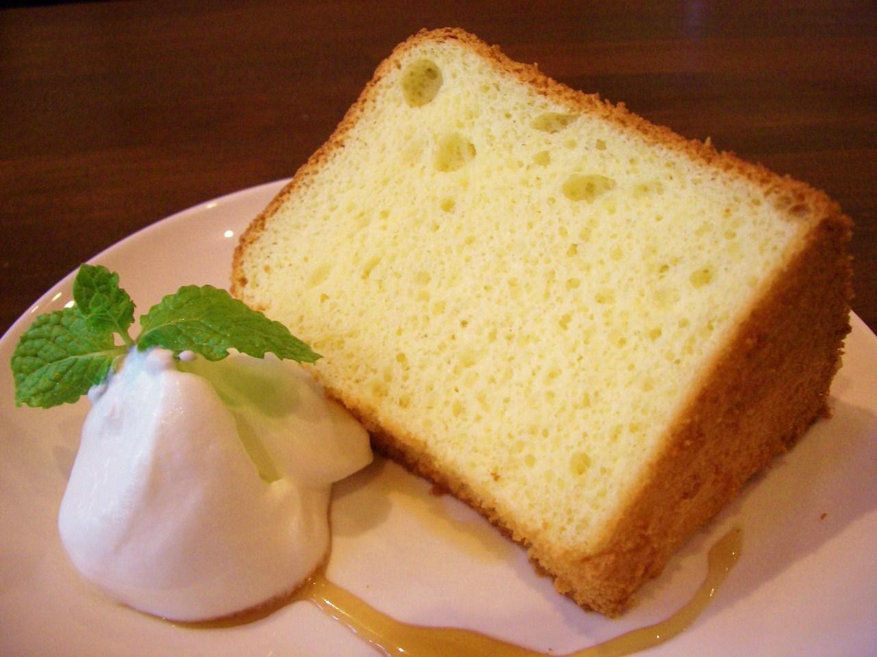 簡単なのにとってもおいしい!シフォンケーキの作り方についてのサムネイル画像