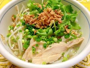 さっぱりヘルシーで温まる、ベトナム料理フォーのおすすめレシピのサムネイル画像