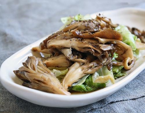 食感と香りを楽しもう!舞茸を使ったおすすめレシピをご紹介のサムネイル画像