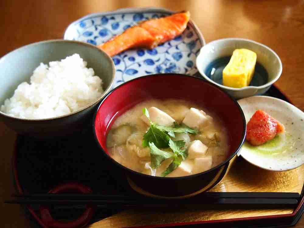 忙しい朝でもさっと作れる!簡単で美味しい、朝ご飯レシピ6選のサムネイル画像