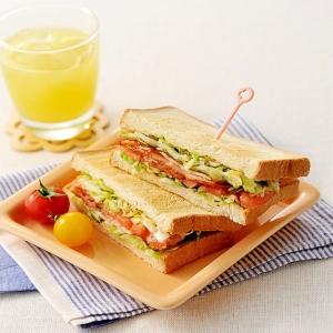 お腹も心も大満足!!具だくさんのサンドウィッチレシピ5選のサムネイル画像