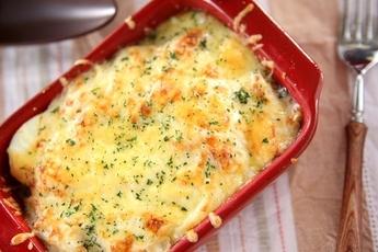 熱々の出来立てを食べたい!ポテトグラタンのおすすめレシピのサムネイル画像