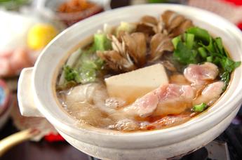 市販の鍋つゆが無くても大丈夫!手作りできる鍋つゆのおすすめレシピのサムネイル画像