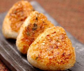 定番から変わり種まで人気のある焼きおにぎりのレシピ5選!のサムネイル画像