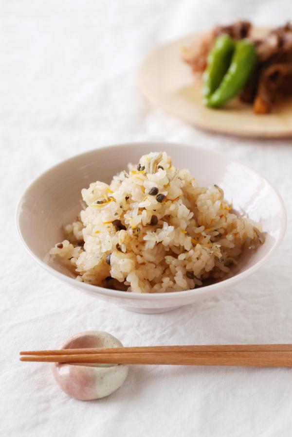 旬を味わうレシピ。秋の味覚がぎゅっとつまったかやくご飯はいかが?のサムネイル画像