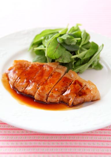 ジューシーでご飯が進む!ポークソテーの美味しいレシピまとめのサムネイル画像