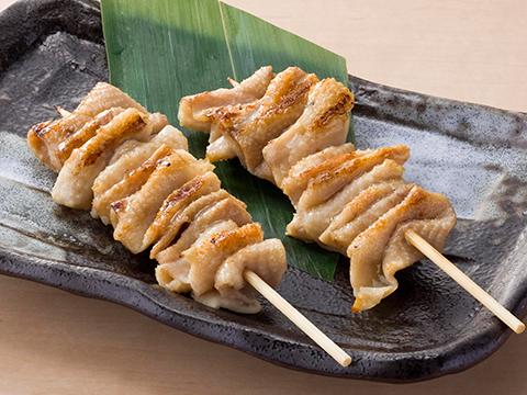 カロリーなんて気にしない!カリカリで美味しい鶏皮のレシピ5選のサムネイル画像