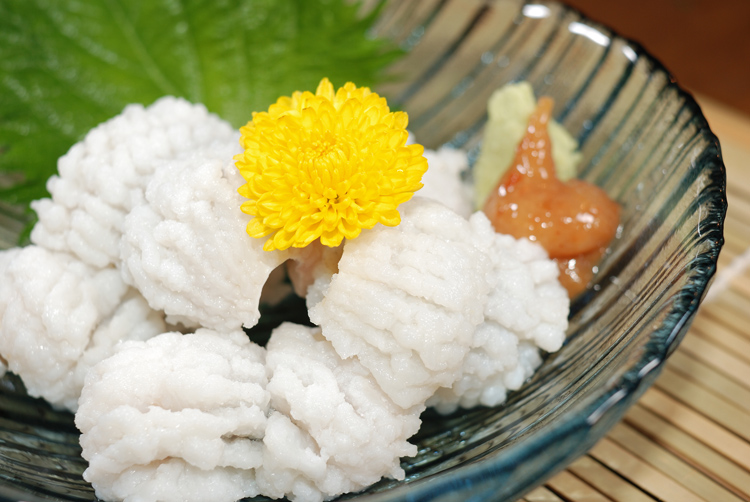 関西の夏の味!!ふわふわ白身の鱧をじっくり堪能するレシピ5選のサムネイル画像