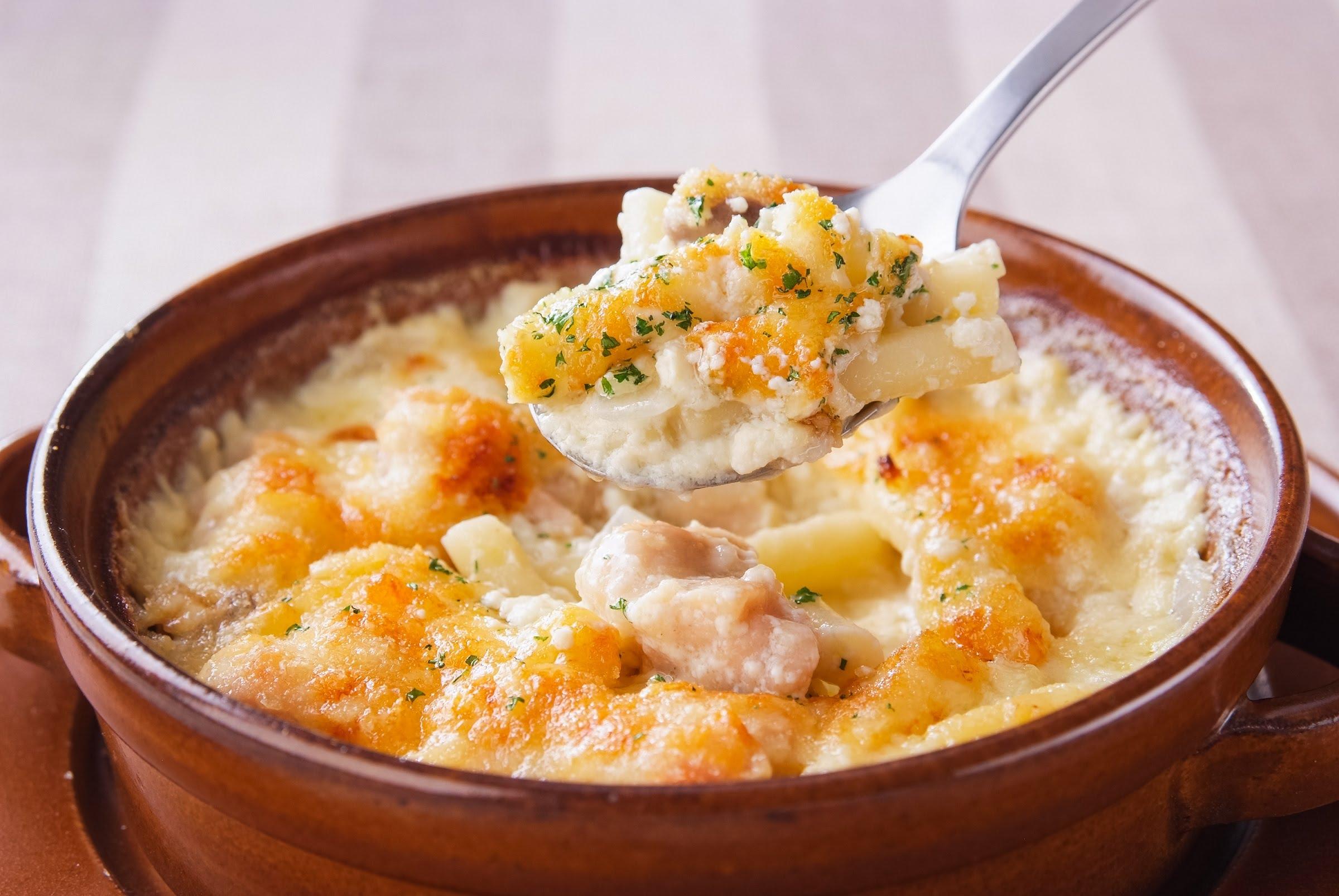 心も体もあったまる!冬に食べたいほかほか人気のグラタンレシピのサムネイル画像