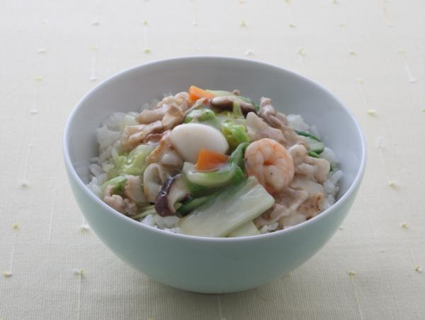 トロトロのあんがたまらない!思いきりほお張りたい絶品中華丼レシピのサムネイル画像