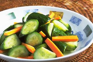 ポリポリ美味しさ止まらない!美味しいきゅうりの漬物レシピ5選のサムネイル画像