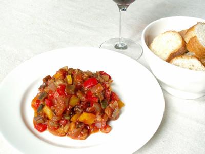 野菜たっぷりラタトゥイユ!誰でも簡単に作れる作り方をご紹介!のサムネイル画像