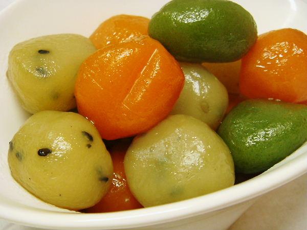 丸くて可愛い見た目の「玉こんにゃく」美味しいレシピを大公開!のサムネイル画像