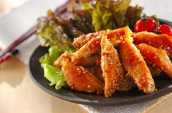 もう、やみつき!がっつり食べられる、簡単、手羽中レシピ5選!のサムネイル画像