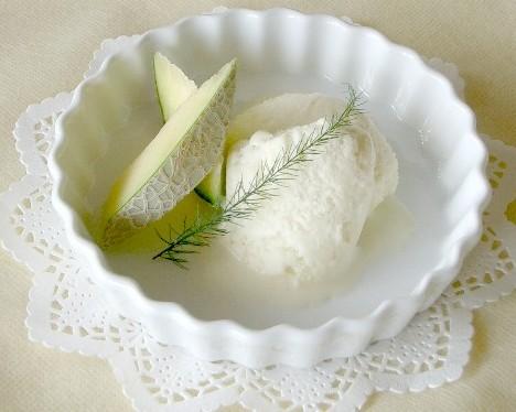 今日のおやつはこれで決まり!甘くて美味しいメロンアイス特集♪のサムネイル画像