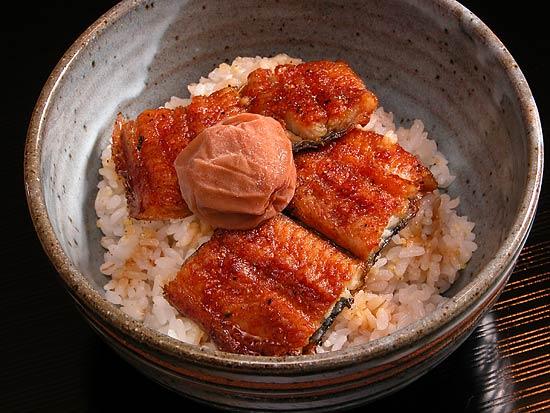 食べ合わせが悪いはウソ!?うなぎと梅干しを使った簡単レシピ5選のサムネイル画像