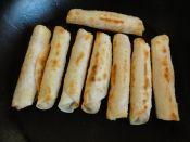餃子の皮がこんな料理に変身!おつまみからお菓子まで人気レシピ5選の画像
