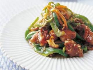 こどもにピーマンを食べさせたいママ必見!豚肉&ピーマンレシピ5選のサムネイル画像