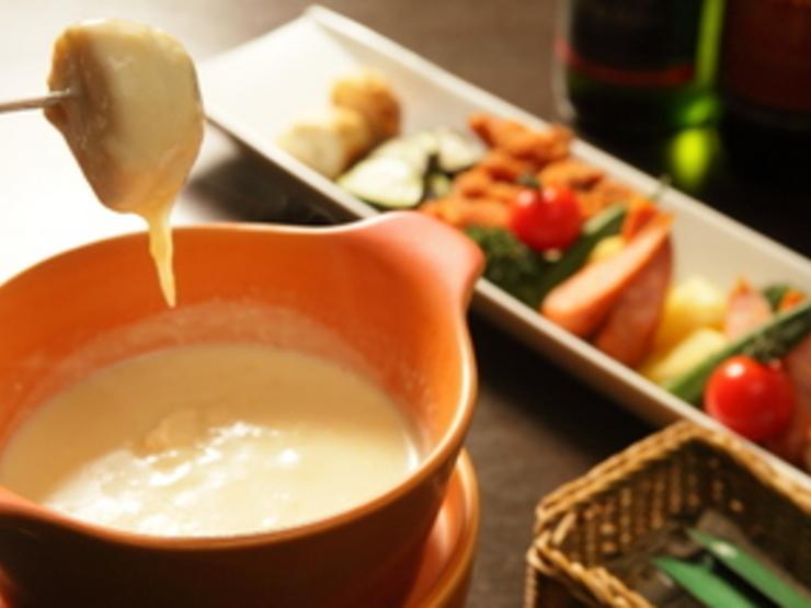 みんな大好きおしゃれなチーズフォンデュ♡レシピとお店をご紹介!のサムネイル画像