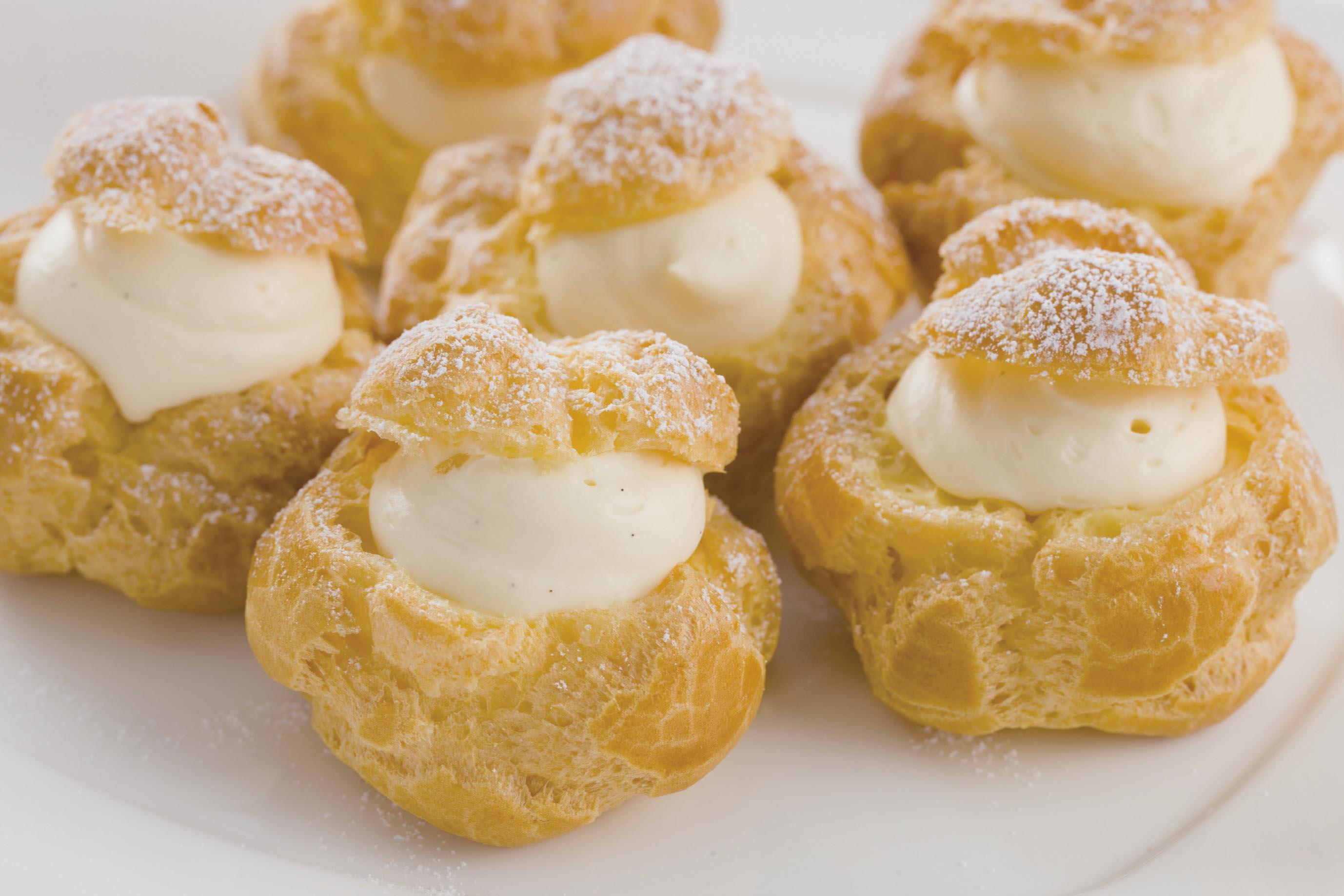 おやつや食後のデザートにも!美味しいシュークリームの作り方♪のサムネイル画像