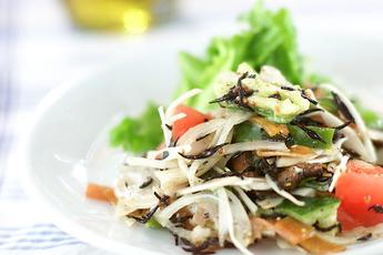 ひじきをもっと楽しむなら「サラダ」がおすすめ♪簡単レシピ5選のサムネイル画像