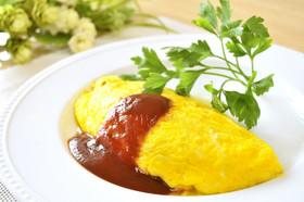 具だくさんでボリュームたっぷり栄養いっぱいのオムレツレシピのサムネイル画像