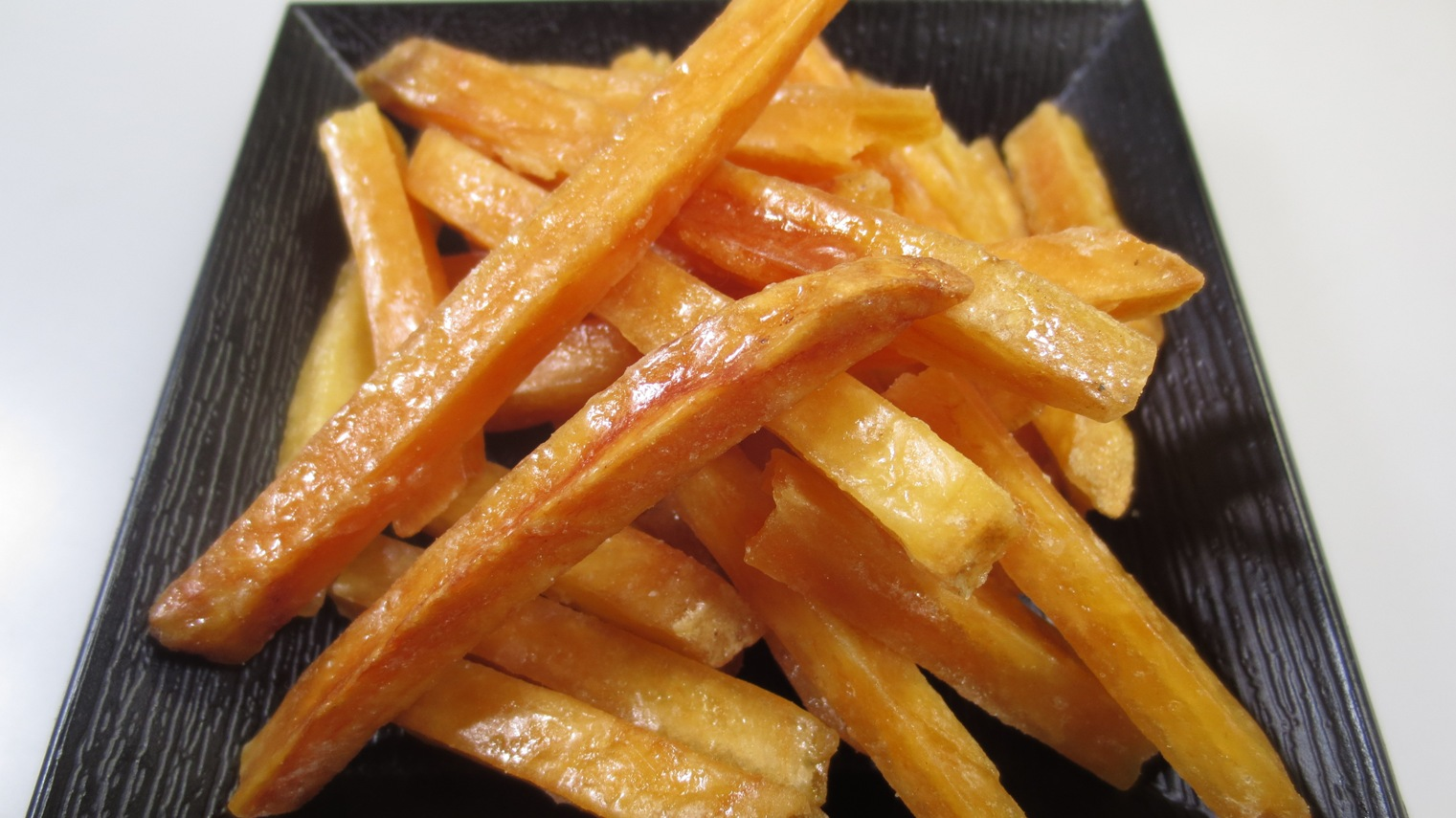 もう買わなくていい!お家で作れる美味しい芋けんぴのレシピをご紹介のサムネイル画像