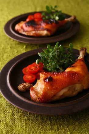 パーティーに♪いつもの食卓に♪簡単ローストチキンの作り方5選のサムネイル画像