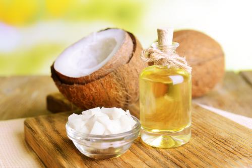 魔法のオイル?ココナッツオイルの美と美味がつまったレシピ5選のサムネイル画像