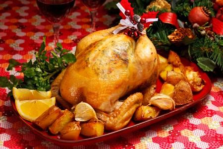 クリスマスパーティーに!!丸鶏で絶品ローストチキンレシピのサムネイル画像